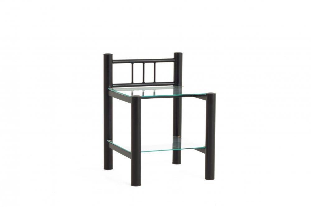 Noční stolek se dvěma poličkami